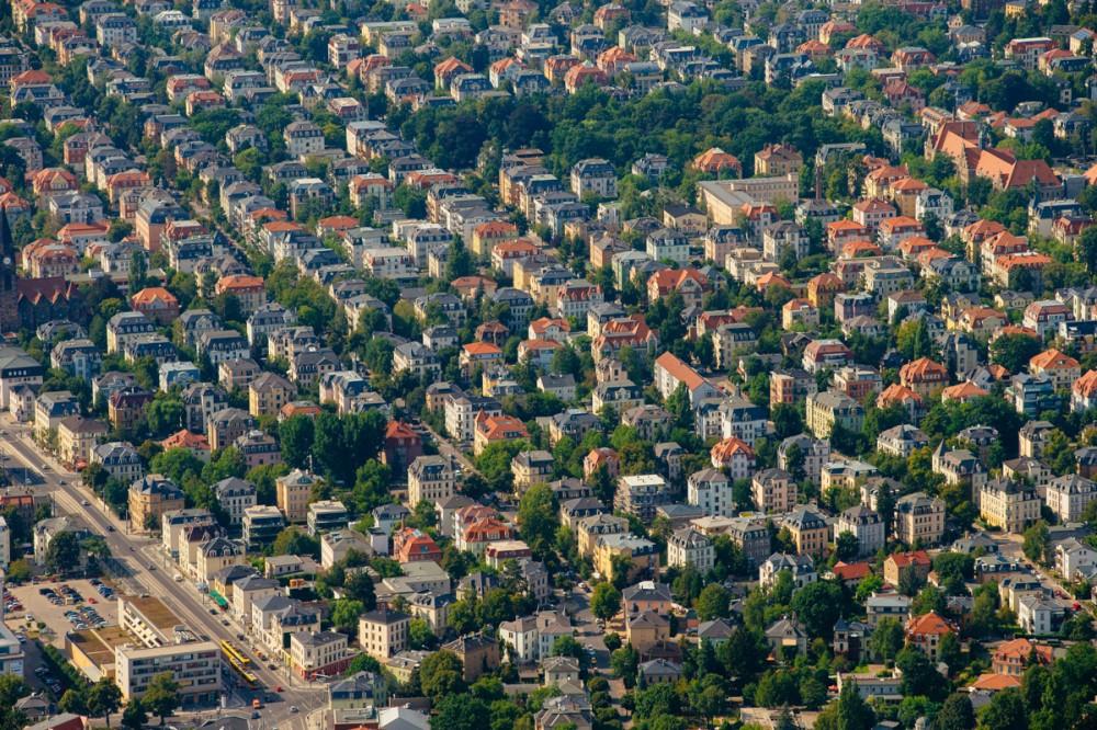 Luftbild des Dresdner Stadtteils Striesen im August 2015.