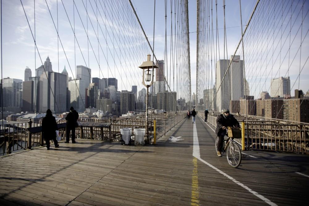 Blick von der Brooklyn Bridge auf den Stadtteil Manhattan in New York City/USA am 15.01.2010