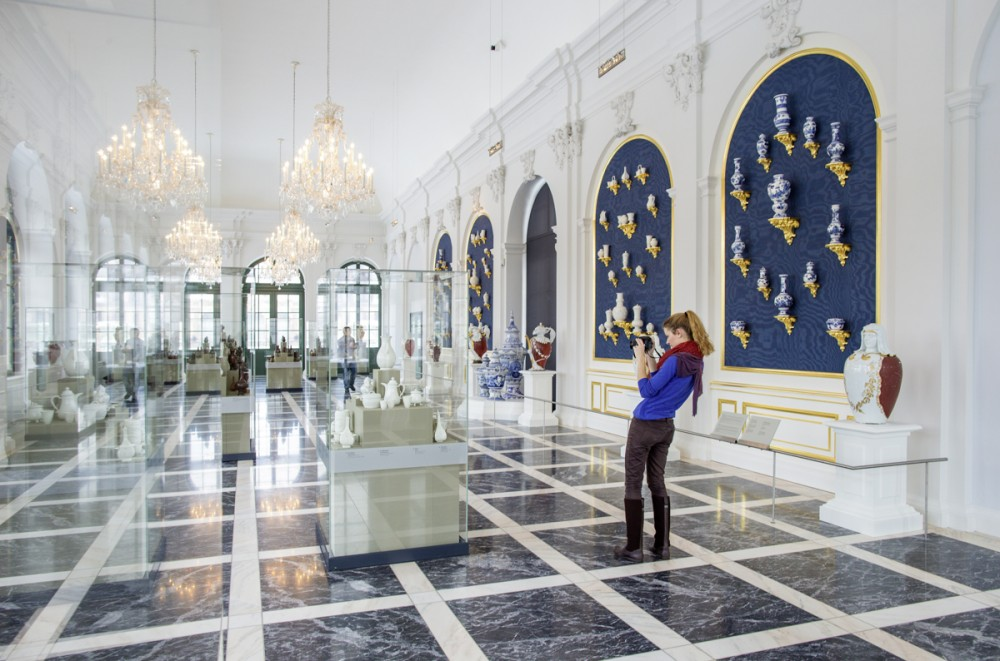 Dresdner Porzellansammlung eröffnet Boettgersaal