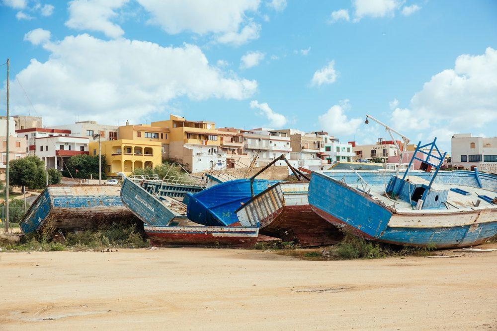 Verlassene Flüchtlingsboote im November ´16 auf Lampedusa.